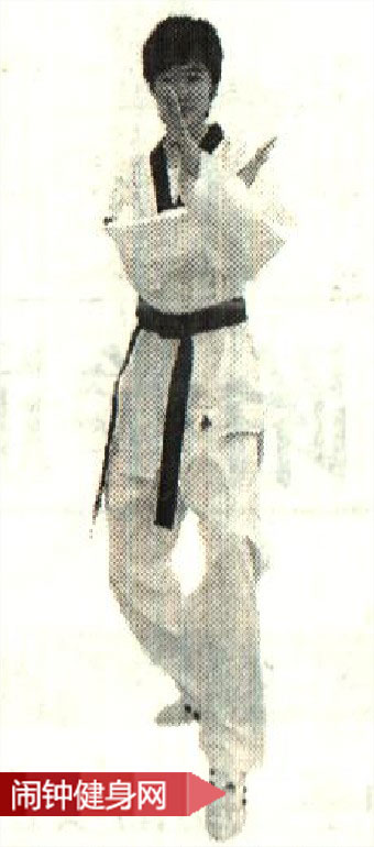 跆拳道《猫足立》(Beom-Seogi)动作图解教学