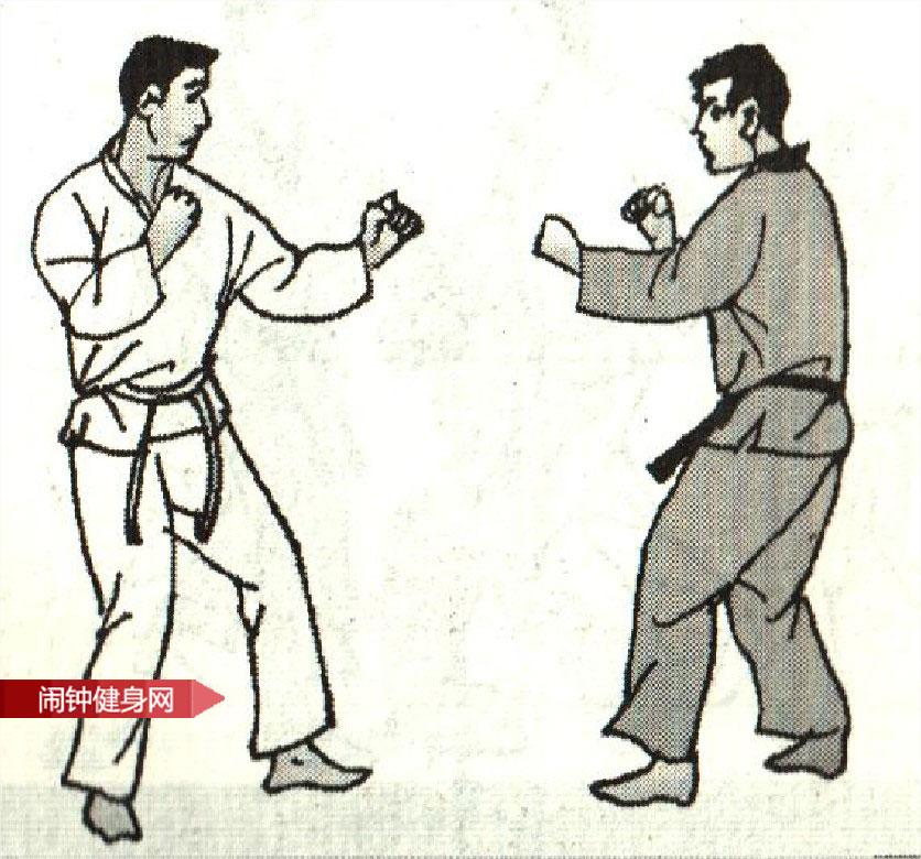 跆拳道《防半月踢侧踢接击肾反击》图解教学