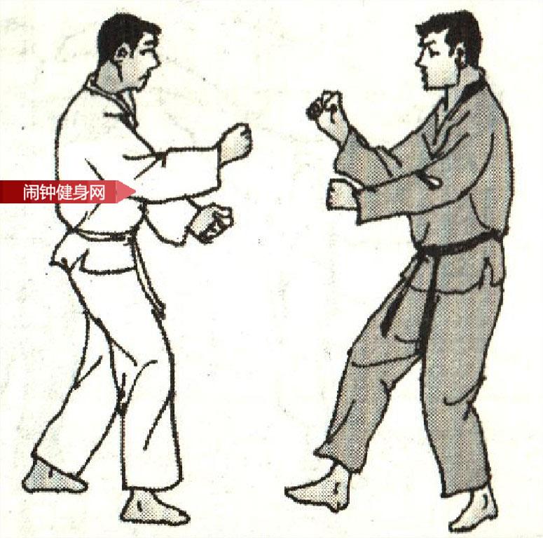 跆拳道《防戳眼肘攻接挑肘反击》图解教学