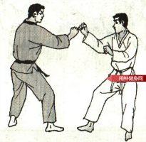 跆拳道《转踢腹颌接跳反转踢脖子》图解教学