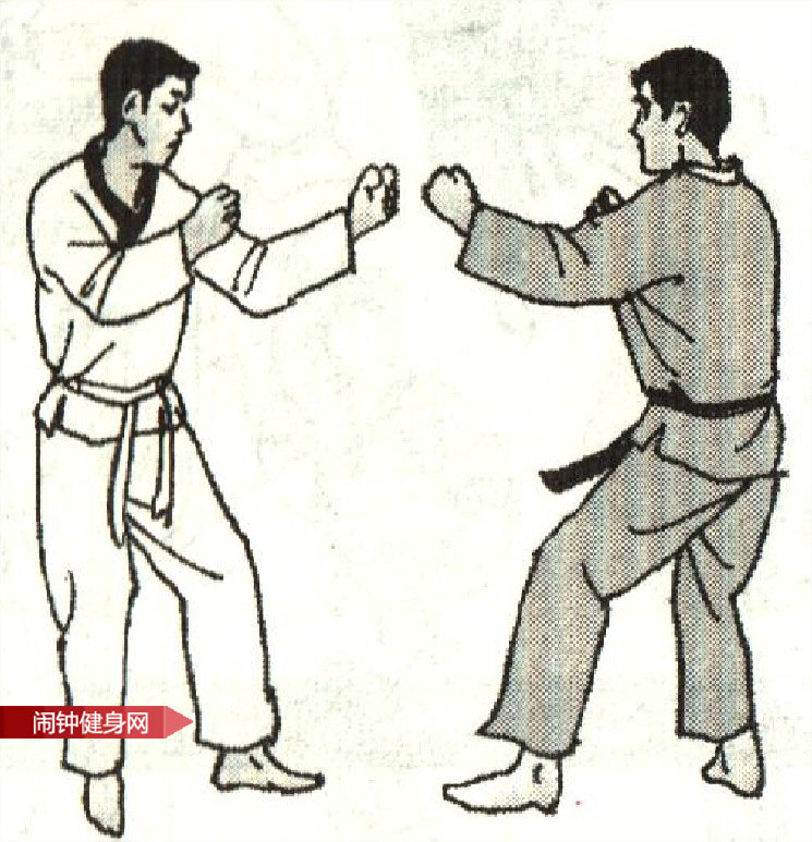 跆拳道《防左腿踢接右腿反击》图解教学