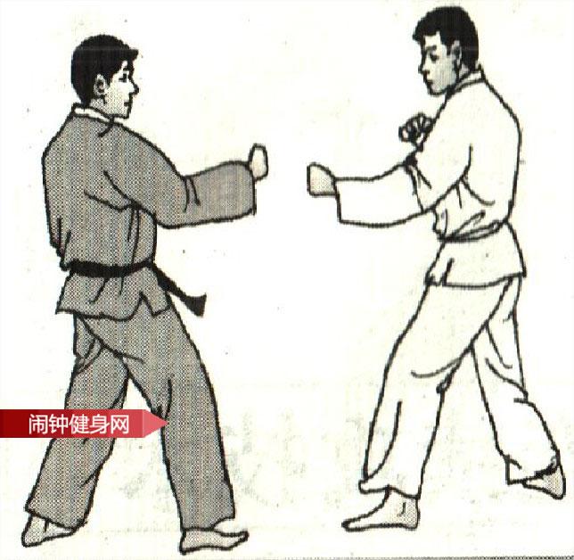 跆拳道《正踢跳踢接侧踢肚脐》图解教学