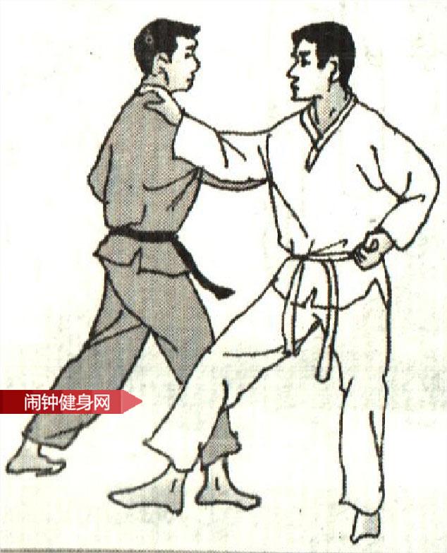 跆拳道《被绊倒后反踢心窝》图解教学