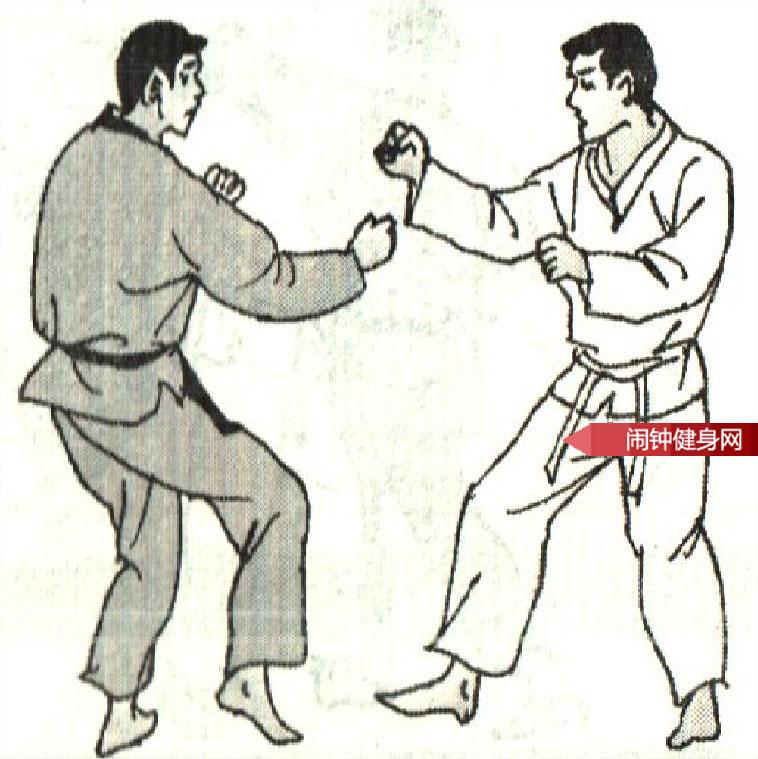 跆拳道《踢腹砍脖膝顶接肘击颌》图解教学