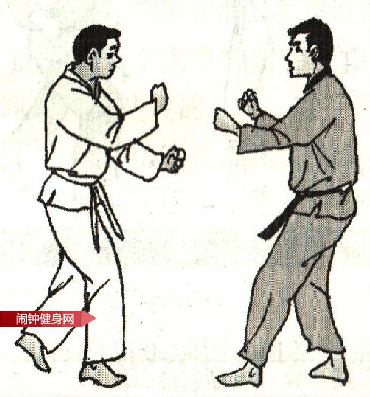 跆拳道《防踢裆及膝时攻接膝攻反击》图解教学