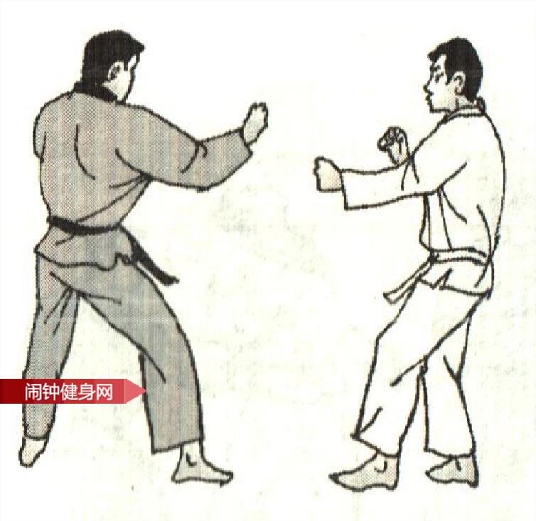 跆拳道《防侧踢接击肾反击》图解教学