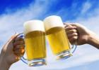 啤酒干杯图片