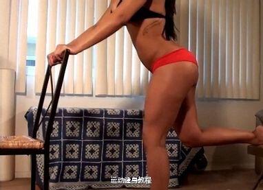 女性搁腿箭步蹲【辅助锻炼臀部肌肉动作】图解